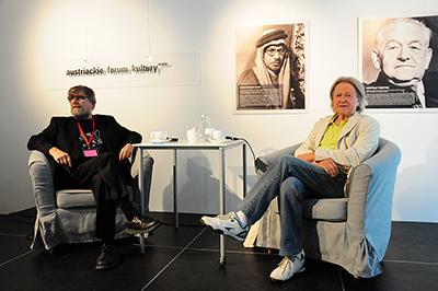 Journalisten Adam Baruch intervjuar jazzmusikern Leszek Żądło. Foto: Stanisław Godula