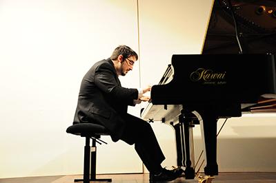 En av favoriterna i årets Chopintävling är kanadesnaren Charles Richard-Hamelin. Foto: Stanisław Godula.