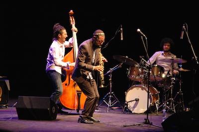 Daniel Zamir Quartet är en av de bästa jazzgrupperna i Israel. Daniel Zamir (saxofon), Gilad Abro (kontrabas), Amir Bresler (trummor).I gruppen ingår också Omri Mor (piano), som emellertid inte finns med på bilden.