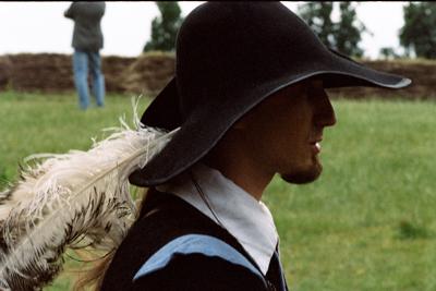 Idag bemannas Zamosc fästning av personer i historiska dräkter – här enriddare med elegant plym i hatten