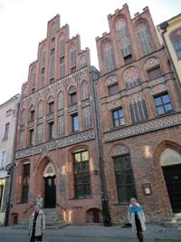 Huset där Copernicus växte upp, ul. Kopernika 17, Torun, är numera museum över stadens berömde astronom. Foto: G. Lindberg