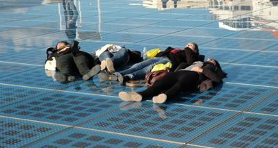 Nyblivna EU-landet Kroatien satsar på teknik – här tillverkas enorma solceller för uppvärmning, och folk gillar ju att sola.