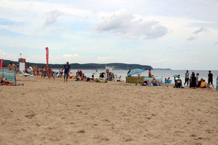 Stranden är ett måste för den som reser till Östersjökusten. . Foto: Anna Ahlgren.