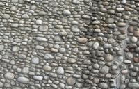 Tre miljoner stenar, polerade av vattnet i hundratals år, har burits ner av villiga händer från bäckarna som rinner längs Tatrabergens sidor.