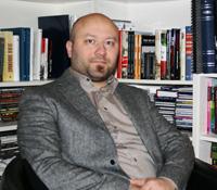 Författaren och historikern Artur Szulc. Foto: Erika Vikström-Szulc.