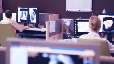 många forsknings- och utbildningscentrum för nya företag som specialiserat sig på utveckling av mjukvara. Foto: poland-it.pl