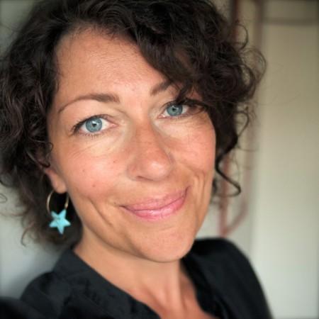 Elisasbeth Åsbrink har tilldelats det prestigefyllda Kapuscinski-priset.