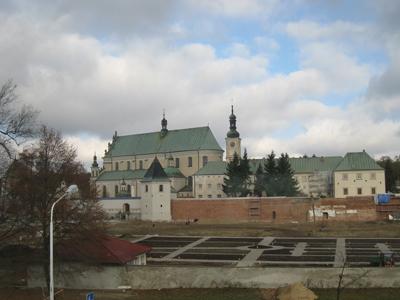 Basilikan och klostret är från 1600-talet.