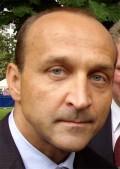 Kazimierz Marcinkiewicz sågar Beata Szydło. Foto: Jonas Steinhöfel, wikipedia.