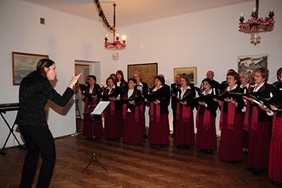 Kören Amici Canentesdirigerades av Ilina Sawicka.