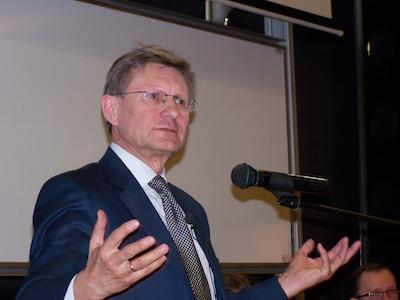 Förre finansministern Leszek Balcerowicz oroar sig för att polisen blir ett verktyg för PiS. Foto: wikipedia.