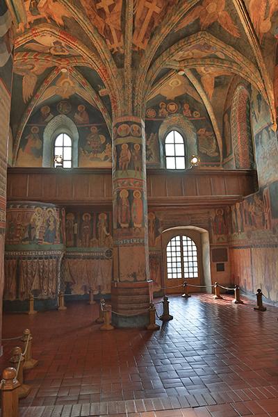 Det var Władysław Jagiełło som lät dekorera tornet i den stil han sett hos sin mor som var rysk prinsessa. Foto: Hans A. Rosbach