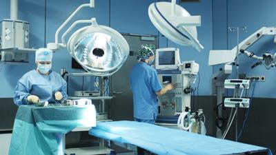 Medicover är ett fullskaligt sjukhus i i Warsza, öppet och berett dygnet runt.