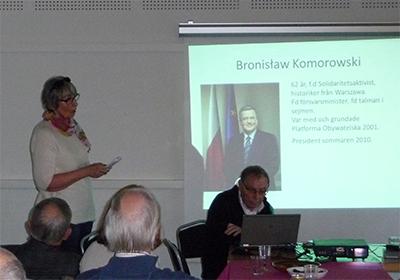 Gunilla Lindbegr berättade om det pågående presidentvalet i Polen. Foto: Ela Lovén.