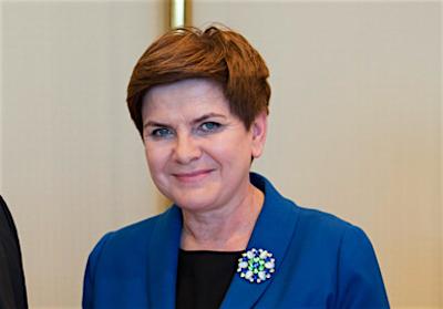 Premiärminister Beata Szydło höll räfst och rättarting med den förra regeringen.