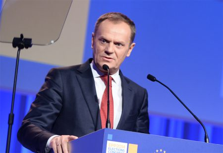 Polen vagrar valja om tusk