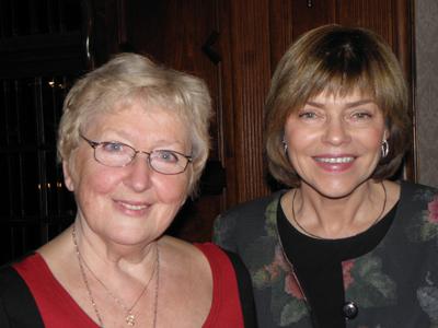 Författaren Anna Wiśniewska tillsammans med M. Anna Packalén Parkman. Foto: Dorota Karpińska