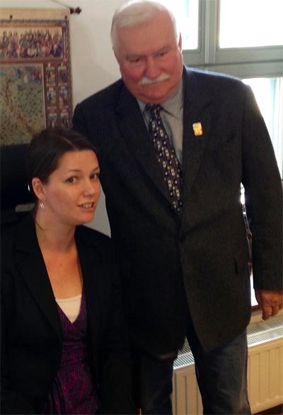 Foto: Privat Lech Wałęsa berättar för Marta Obminska om sin kamp för de mänskliga rättigheterna.