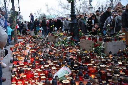 Warsaw bids farewell of President Lech Kaczynski_3