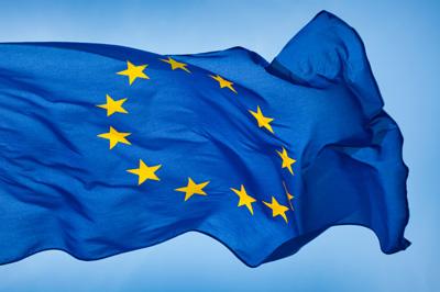 Vill PiS stanna kvar i EU – åjo, så länge miljarderna strömmar in.