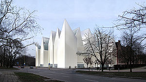 Szczecinfilharmonin ligger bra till i arkitekturtävling. Bild. wikipedia.