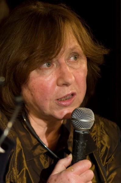 Svetlana Aliksejev fick årets litteraturpris.