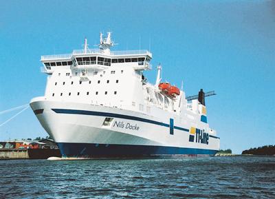 TT-Lines Nils Dacke ska gå mellan Trelleborg och Swinoujscie från 6 januari 2014.